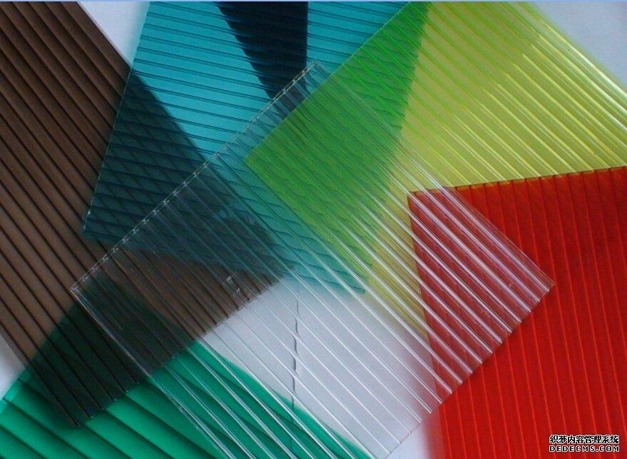 Giá bán tấm lợp thông minh lấy sáng polycarbonate các loại tại TPHCM